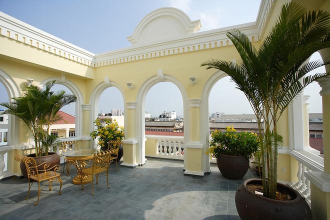 Mẫu thiết kế biệt thự kiểu Pháp cổ trong lòng Sài Gòn náo nhiệt - 11