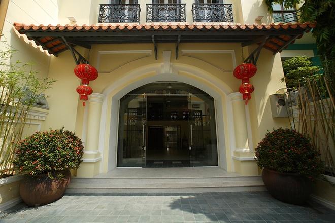 Mẫu thiết kế biệt thự kiểu Pháp cổ trong lòng Sài Gòn náo nhiệt - 2