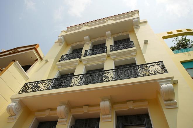 Mẫu thiết kế biệt thự kiểu Pháp cổ trong lòng Sài Gòn náo nhiệt - 3