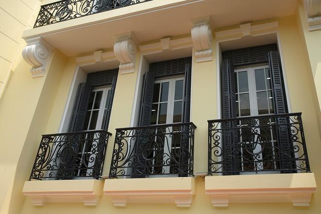 Mẫu thiết kế biệt thự kiểu Pháp cổ trong lòng Sài Gòn náo nhiệt - 4