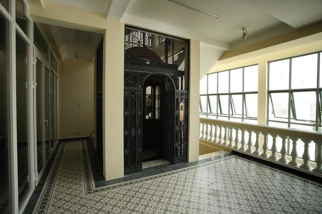Mẫu thiết kế biệt thự kiểu Pháp cổ trong lòng Sài Gòn náo nhiệt - 8