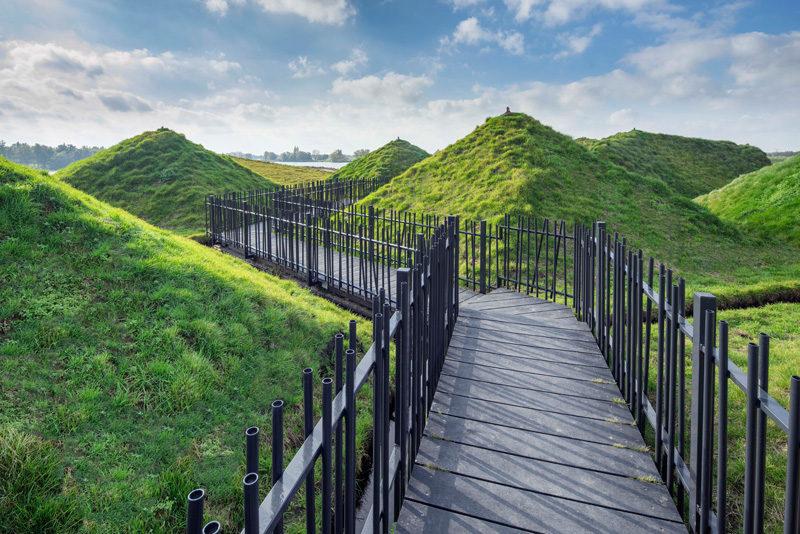 Khám phá bảo tàng được bao phủ bằng cỏ ven sông ở Hà Lan