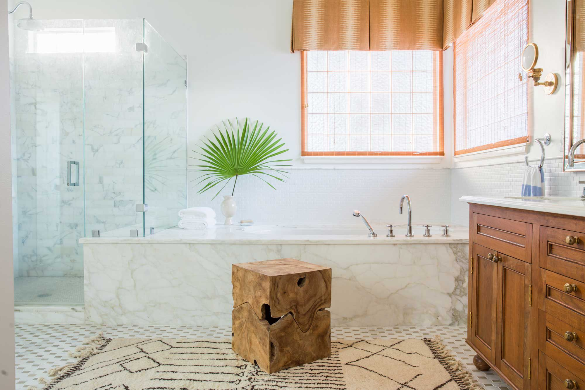 4 lỗi thiết kế phòng tắm thường gặp khiến nhà bạn trông kém sang