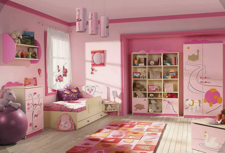 Bạn cần nắm rõ cô con gái nhỏ bé của mình yêu thích màu sắc gì để chọn đó làm gam màu chủ đạo cho căn phòng của bé