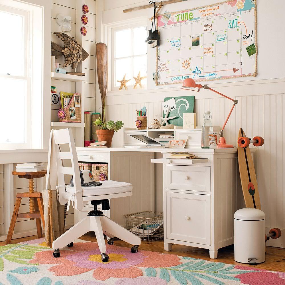 Thiết kế phòng ngủ cho con gái cần chú ý đến vị trí bàn học