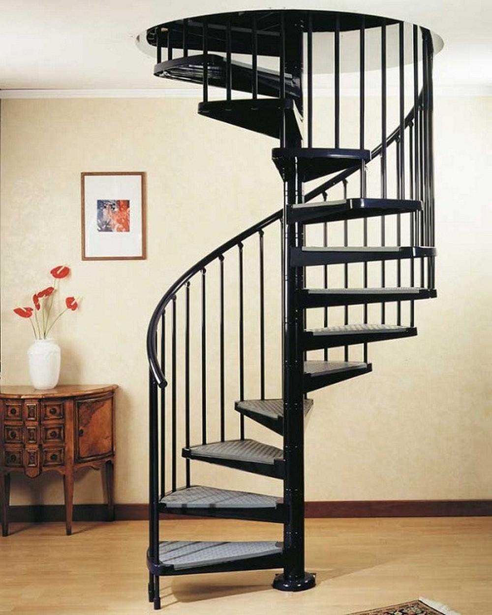 Đối với cầu thang tròn, gia chủ có thể để độ dốc của cầu thang lên đến 45 độ đồng thời bậc cầu thang có thể thiết kế cao tới 200mm