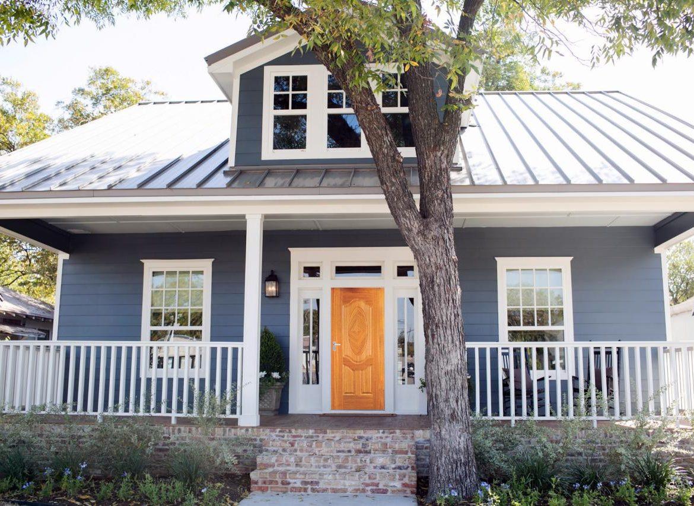 Cửa trước và cửa sau thành một đường thẳng là điều tối kỵ trong thiết kế nhà