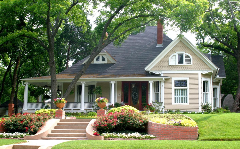 Gia chủ hãy đảm bảo tạo ra một không gian thoáng đãng, không rợp bóng cây để dẫn lối cho vượng khí vào nhà