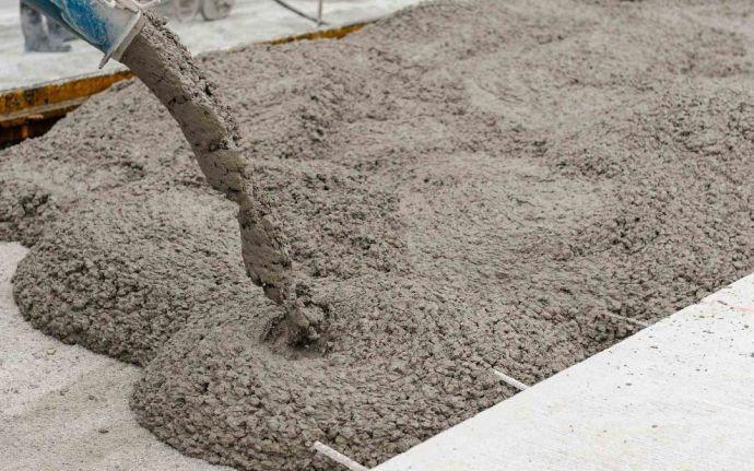 Nên đổ móng bằng bê tông tươi hay bê tông trộn tay