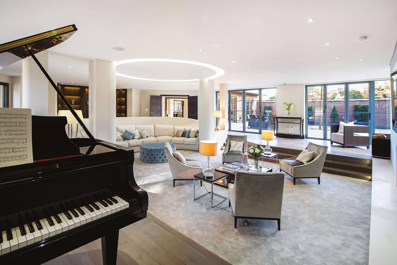 Trong thiết kế nội thất nhà ở, phòng khách là khu vực luôn được gia chủ quan tâm nhất