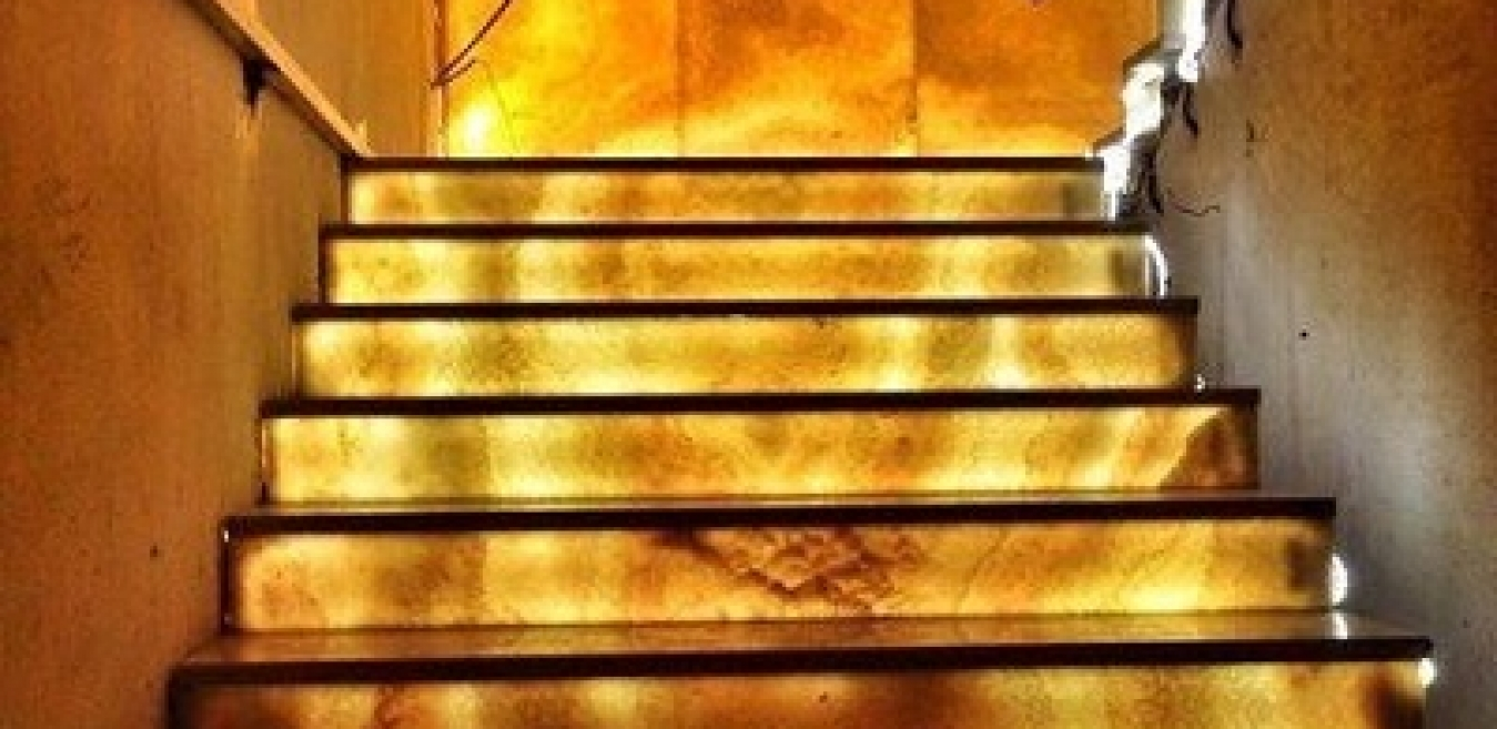 Nếu muốn ngôi nhà của bạn có nhiều sinh khí thì bậc thềm nhà cần phải sáng sủa